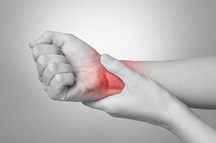 боль в руках остеопат
